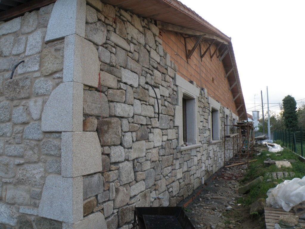 1 2 paredes exteriores for Granito en piedra